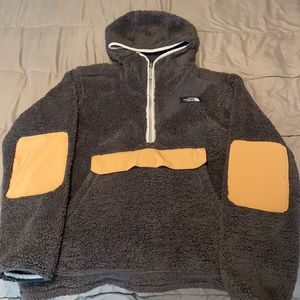 The North Face Sherpa Hooded 1/4-Zip Pullover